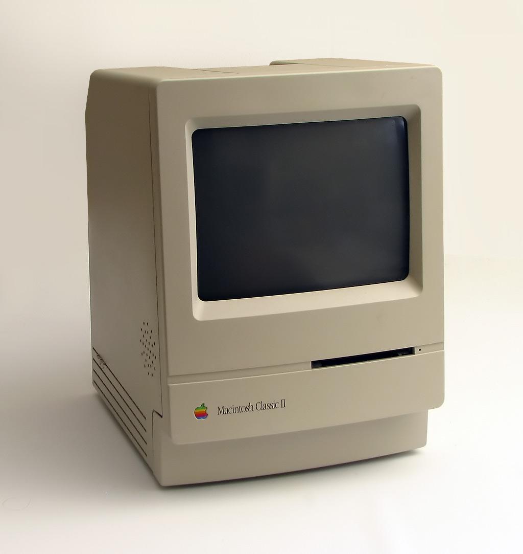 Macintosh_Classic_2